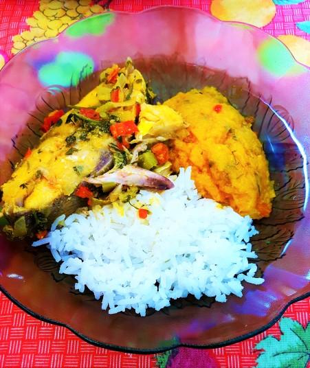 Moqueca, pirão, and rice